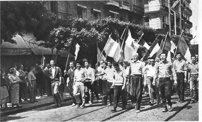 13 mai 1958 à Alger, la manifestation conduite par Pierre Lagaillarde.