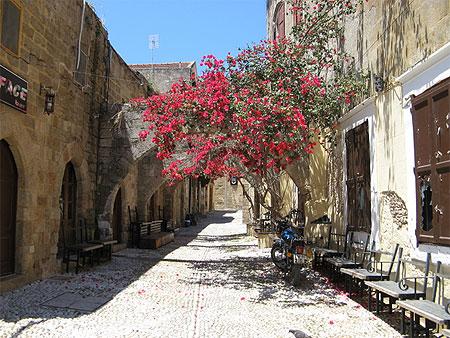Rue de la vieille ville de Rhodes