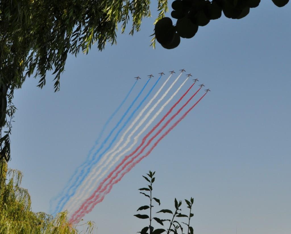 14 juillet 2013, la Patrouille de France survole Paris.