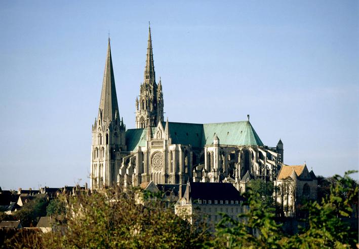 La cathédrale de Chartres, construite entre 1145 et 1220.