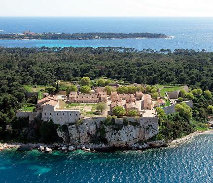 Île Saint-Marguerite (îles de Lérins) où se battit Saint-Amant.