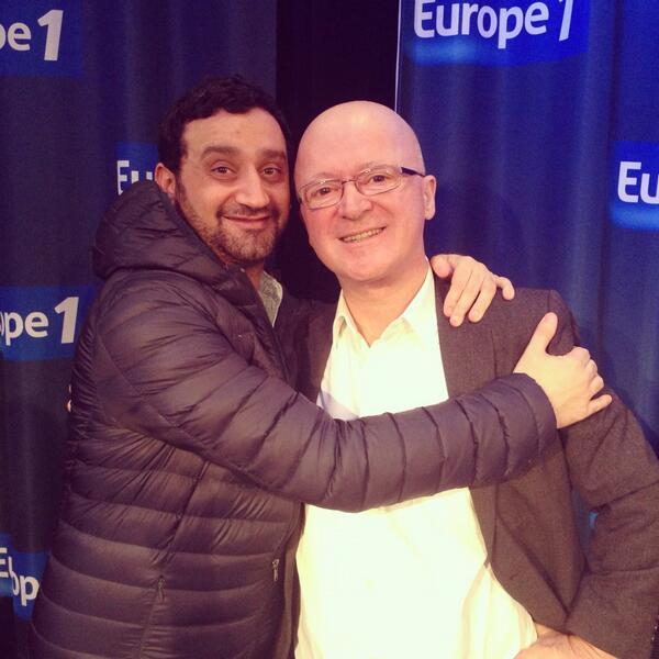 """À la fin de l'émission """"Les pieds dans le Plat"""" sur Europe 1, avec Cyril Hanouna, dans une ambiance excellente et détendue !"""