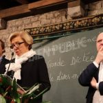 Madame Danièle Sallenave, de l'Académie française, et Didier van Cauwelaert effectuent la première lecture de la Grande Dictée de Livres en Vignes