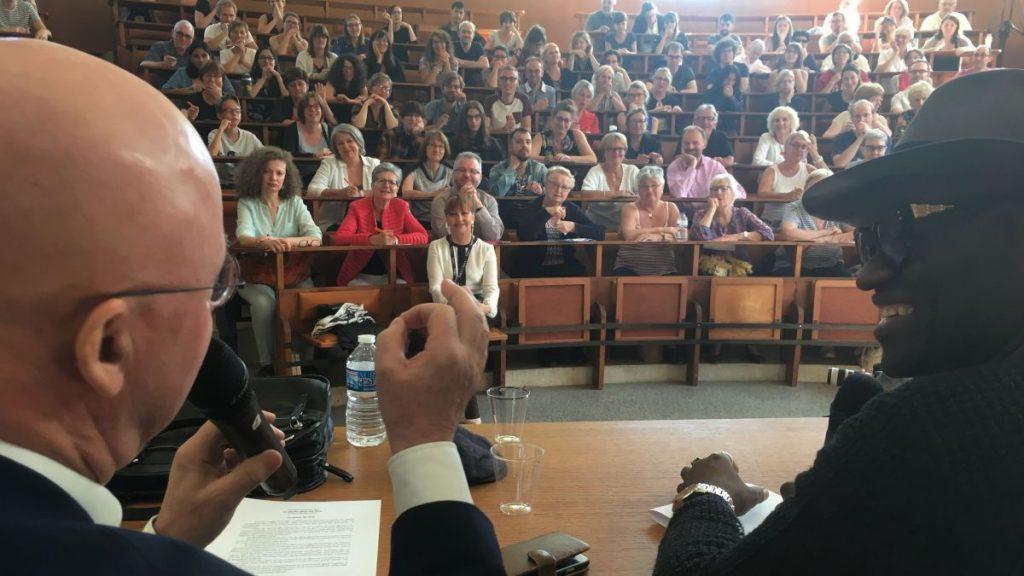Alain Mabanckou a effectué la première lecture de la dictée